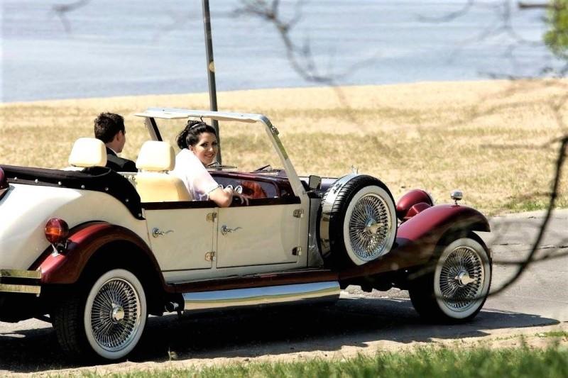 AUTO Samochód do ślubu zabytkowy kabriolet Alfa Romeo Nestor 46
