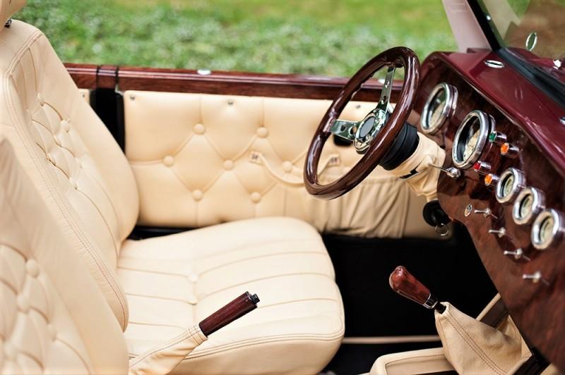 Zabytkowy Kabriolet do ślubu Alfa Romeo Spider Nestor Baron  34