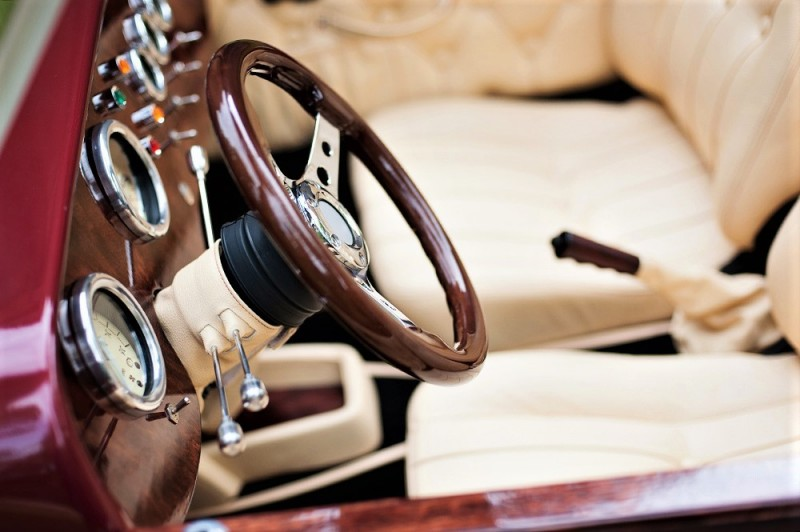 Zabytkowy Kabriolet do ślubu Alfa Romeo Spider Nestor Baron  35