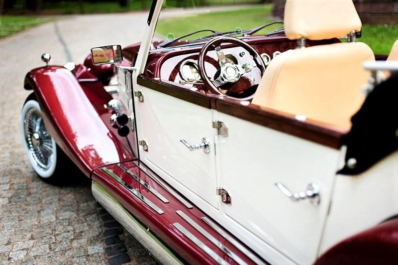 Zabytkowy Kabriolet do ślubu Alfa Romeo Spider Nestor Baron  36