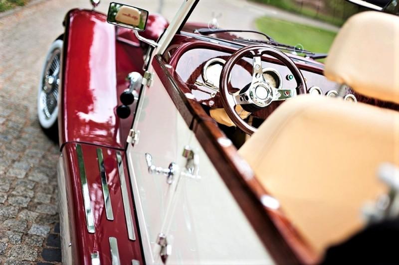 Zabytkowy Kabriolet do ślubu Alfa Romeo Spider Nestor Baron  45