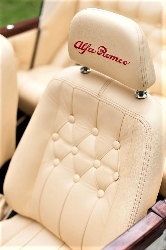 Zabytkowy Kabriolet do ślubu Alfa Romeo Spider Nestor Baron  51