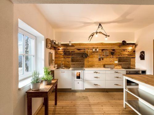 Kuchnie węglowe, na drewno, pellety, piecyki, kominki. 127