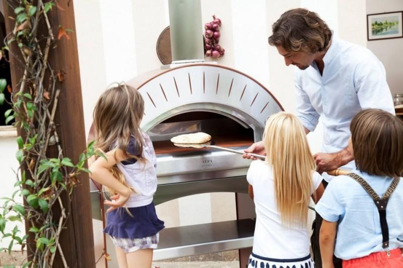 Biesiadowanie z piecem do pizzy (piecem chlebowym). 14