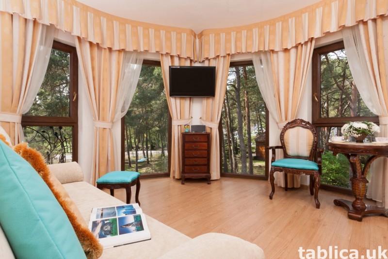 Luksusowa posiadłość z apartamentami, krytym basenem. 3