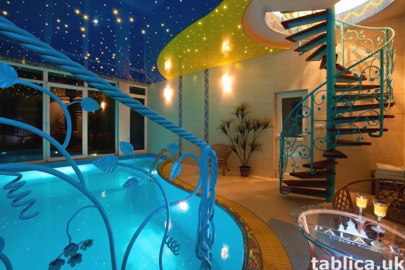 Luksusowa posiadłość z apartamentami, krytym basenem. 8