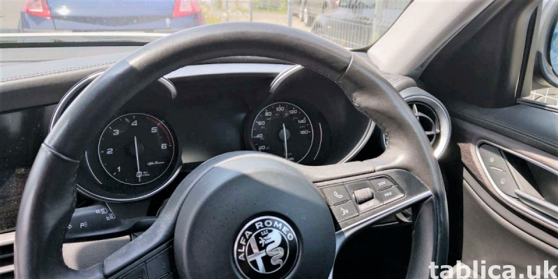 Alfa Romeo Giulia 2.2JTD AT8 2