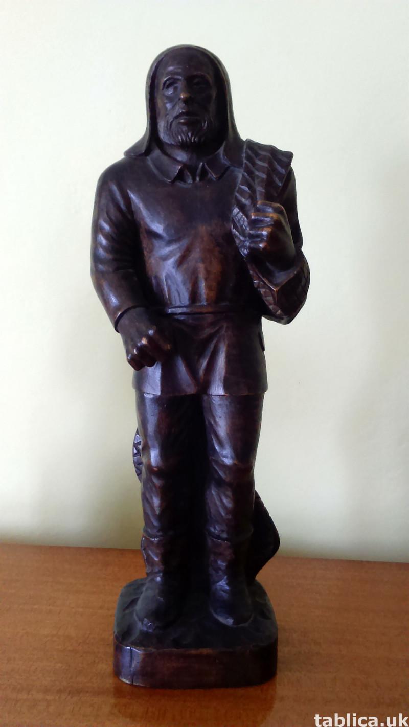 Sculpture: Fisherman - Solid Wood  0