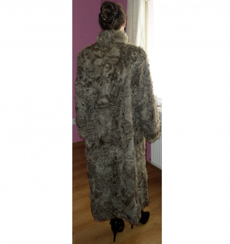 For Sale: Long Astrakhan Goat Fur  0