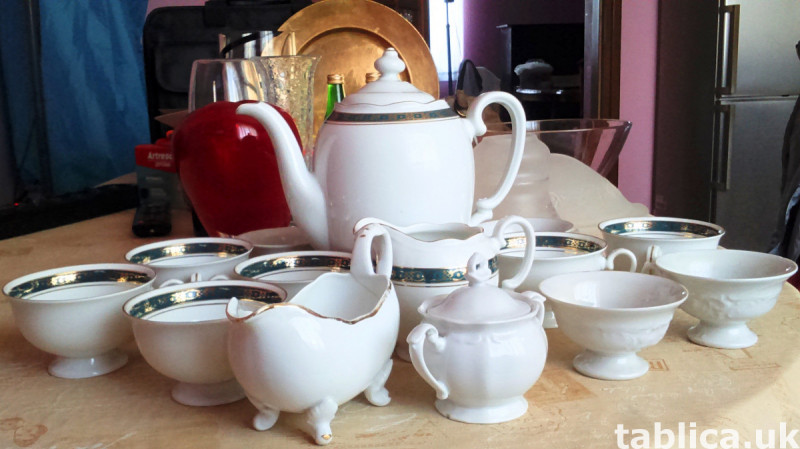 Porcelain For Sale - Quantity: 9 Pieces  6