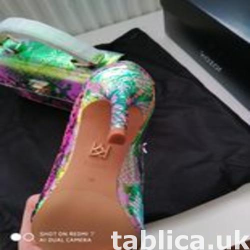 Sprzedam oryginalne nowe z metka buty holograficzne szpilki  0